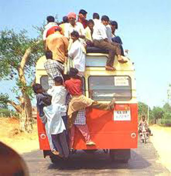 storia-sima-simona-vignali-autobus-india-retro