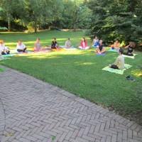 yogarelaxasanavacanzabenessereagriturismoagosto201303