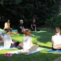 yogarelaxasanavacanzabenessereagriturismoagosto201304