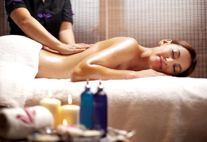 Corso di massaggio linfodrenante per estetiste con linfodrenaggio ayurvedico a Venezia