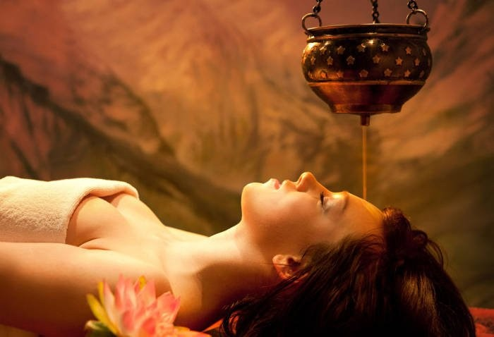 Corso Shirodhara e massaggio ayurvedico per estetiste