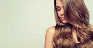 Come avere cura dei tuoi capelli e prevenire la caduta con rimedi naturali