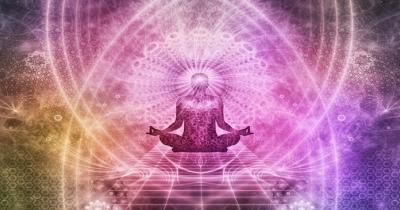 L'Ayurveda consiglia di meditare da 3000 anni. Oggi la scienza lo conferma