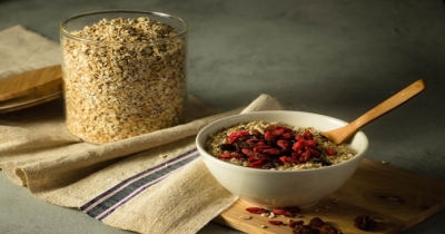 Mangia porridge proteico di avena ogni giorno e dimagrisci mangiando