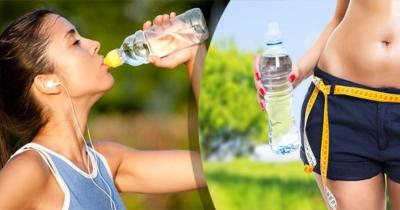 Se vuoi dimagrire velocemente, devi bere acqua così