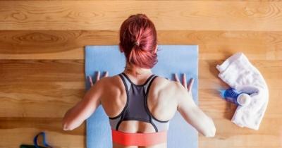 Vuoi stare in forma in quarantena? Fai questi esercizi da fare a casa