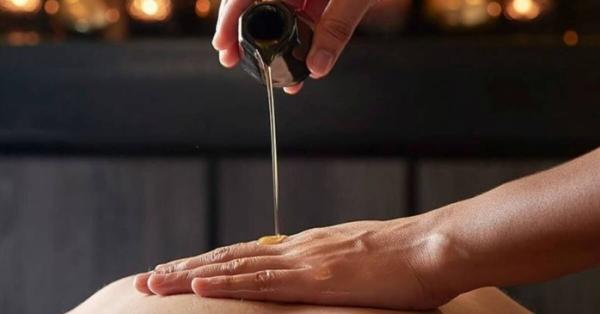 4 sorprendenti benefici del massaggio ayurvedico Ayurvedic TouchⓇ