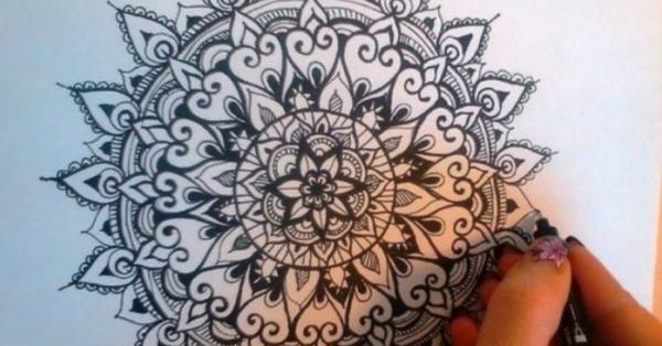 8 vantaggi di colorare i Mandala per la tua mente e il tuo corpo