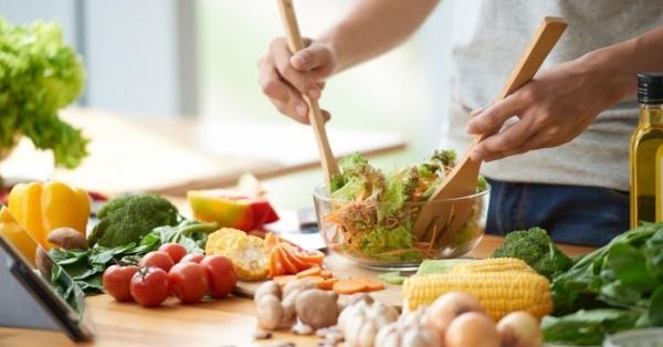 Vuoi dimagrire o non ingrassare in quarantena? Ecco i consigli degli esperti di nutrizione