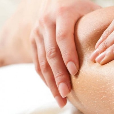 Corso di massaggio anticellulite per estetiste con massaggio per cellulite ayurvedico