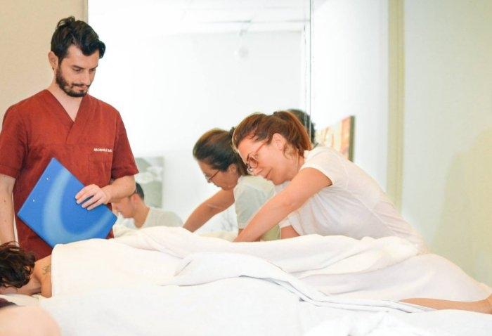 Foto dei corsi di massaggio ayurvedico